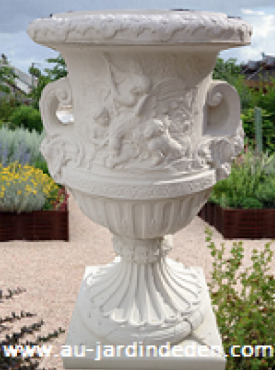 Vases en Pierre Reconstituee