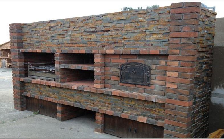 barbecue et four a pizza en briques rouge l j 23 a au jardin d 39 eden. Black Bedroom Furniture Sets. Home Design Ideas