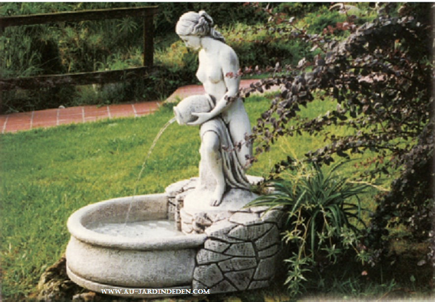 Fontaine en pierre reconstituee benedetto a au jardin d 39 eden - Fontaine de jardin en pierre reconstituee ...
