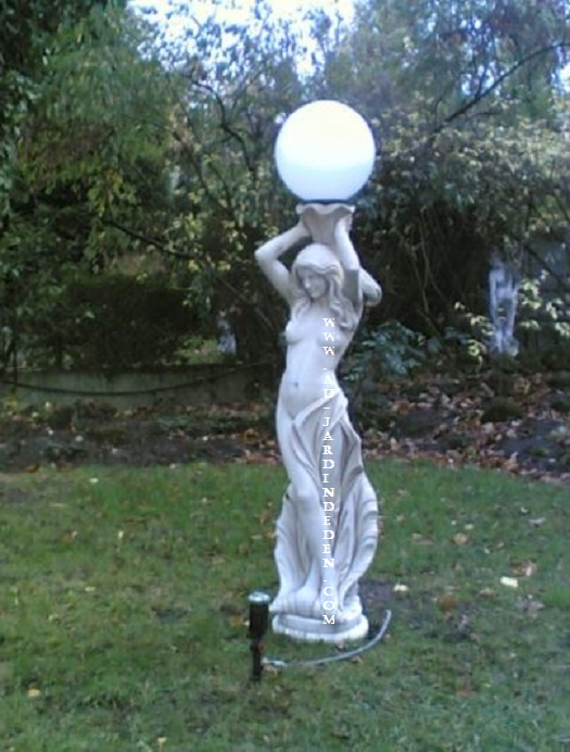 Lampadaire de jardin en pierre paris a au jardin d 39 eden - Statue pierre reconstituee pour jardin ...