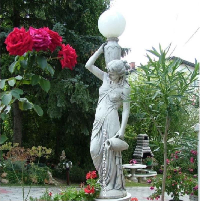 lampadaire de jardin en pierre ff 102 a au jardin d 39 eden. Black Bedroom Furniture Sets. Home Design Ideas