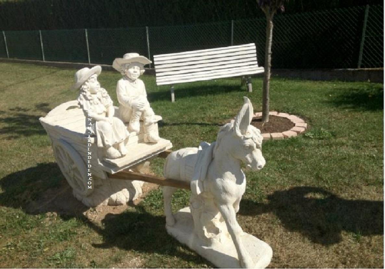 statue de jardin charrette miguel laura ane a au jardin d 39 eden. Black Bedroom Furniture Sets. Home Design Ideas