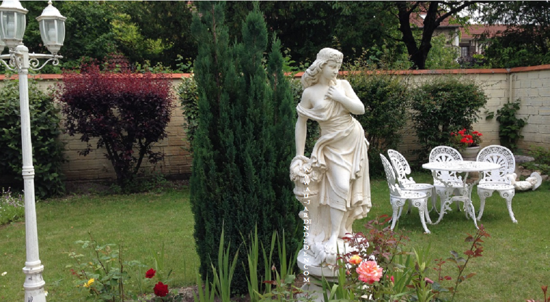 Statue en pierre reconstituee jeune fille aux roses a au - Statue de jardin en pierre reconstituee ...