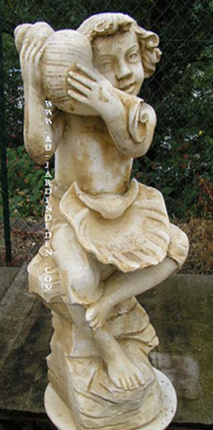 Statue de jardin garcon a la cruche au jardin d 39 eden - Statue pierre reconstituee pour jardin ...