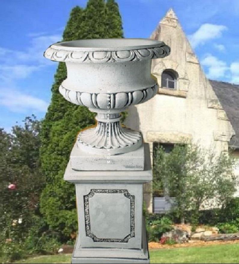 vases sur socle en pierre reconstituee ff 256 au jardin d 39 eden. Black Bedroom Furniture Sets. Home Design Ideas