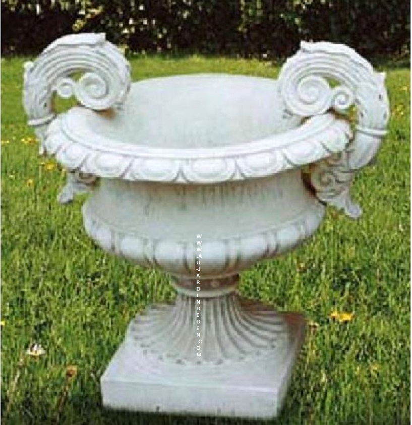 vase grand modele de jardin vase plus socle au jardin d 39 eden. Black Bedroom Furniture Sets. Home Design Ideas